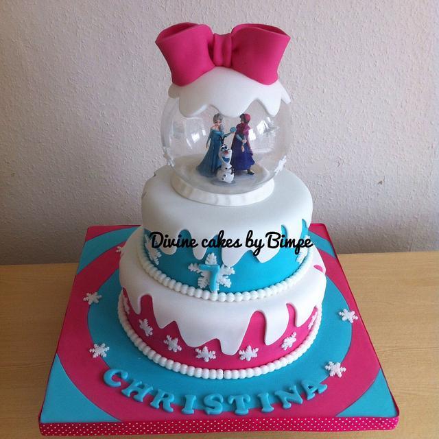 Snow globe frozen cake