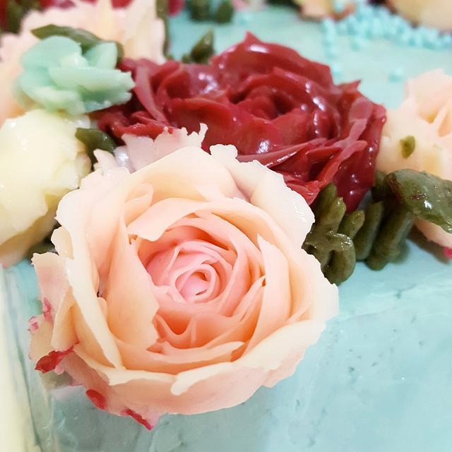 Korean buttercream flowers