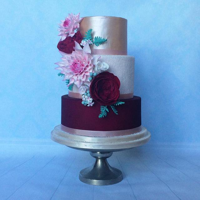 Dahlias and David Austin roses wedding cake