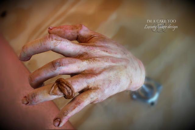 Edible hand