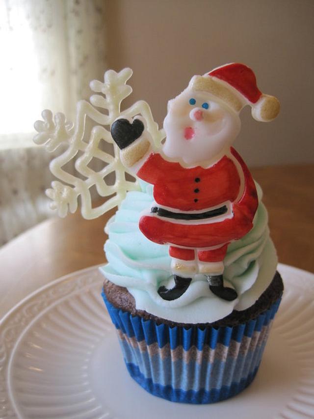 Santa snowflake cupcakes