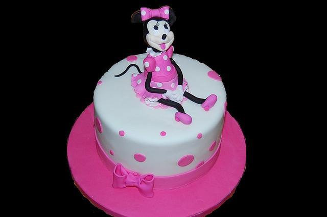MINIE MOUSE CAKE!!!!