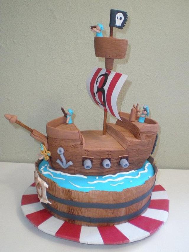 tarta barco pirata para Elio