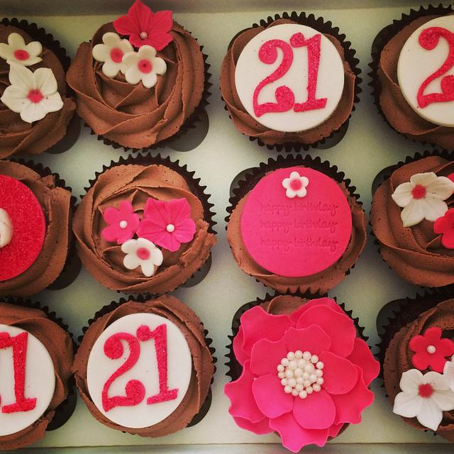 Hot Pink Pretty Cupcakes
