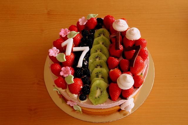 mascarpoone and fruits