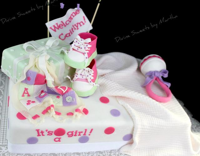 Baby shower cake It's a girl!