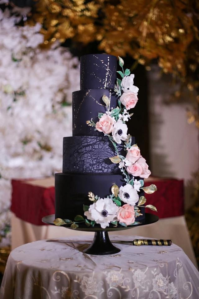 Black theme wedding cake