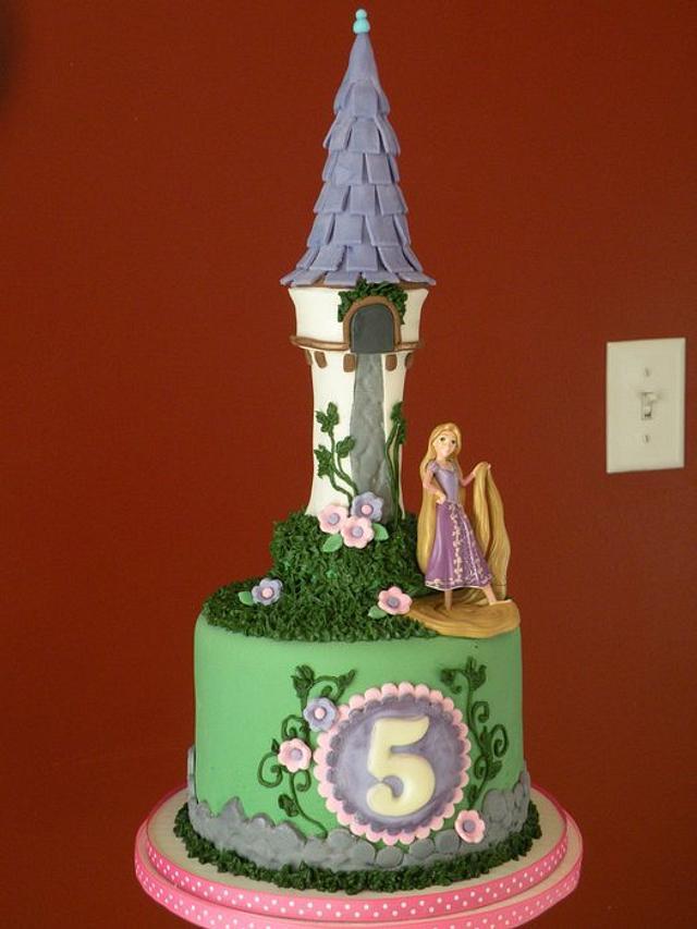 Tangled cake & cupcake tower