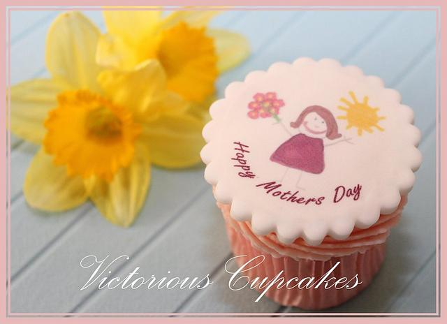 More Mother's Day Cupcakes!