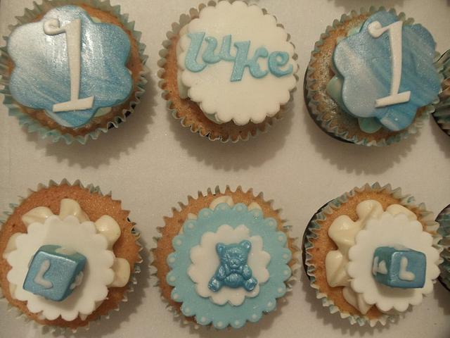 Teddies and Blocks cupcakes