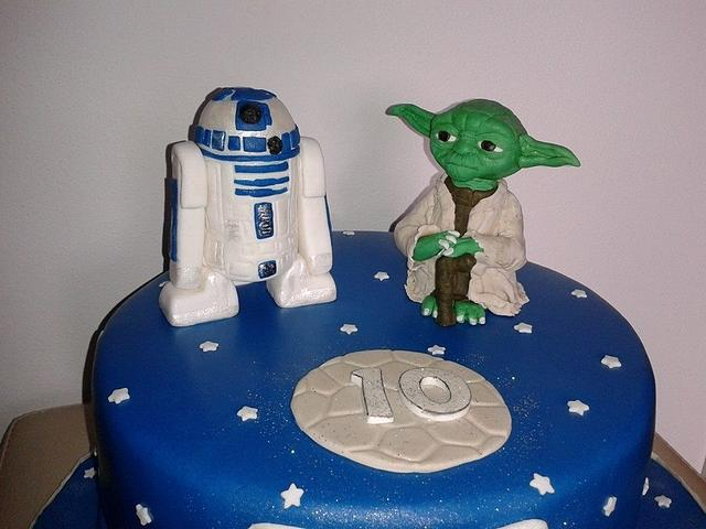 Star Wars yoda with r2d2