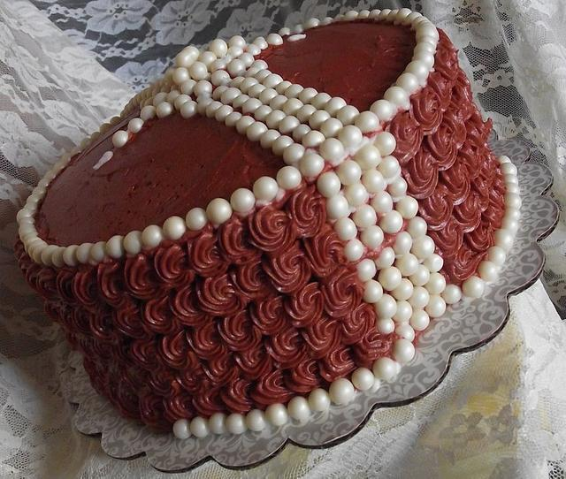 An Icing Color Adventure and/or Who went Nuts with the Edible Pearls?
