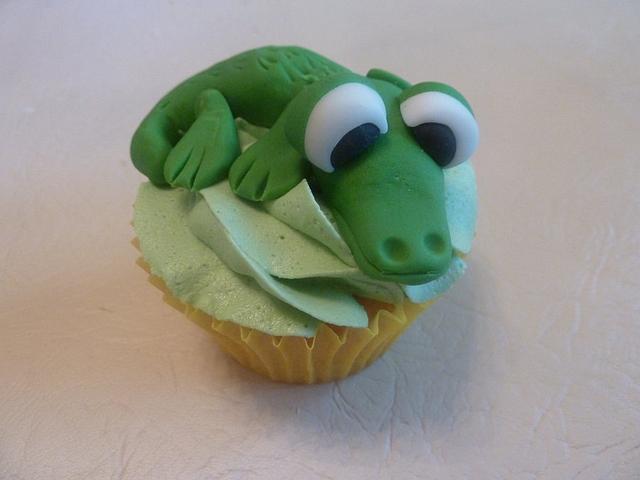 50th Birthday Cupcakes - Steve Irwin Theme
