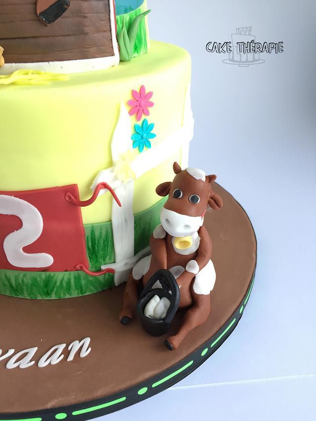 Old McDonald cake - Barn cake.