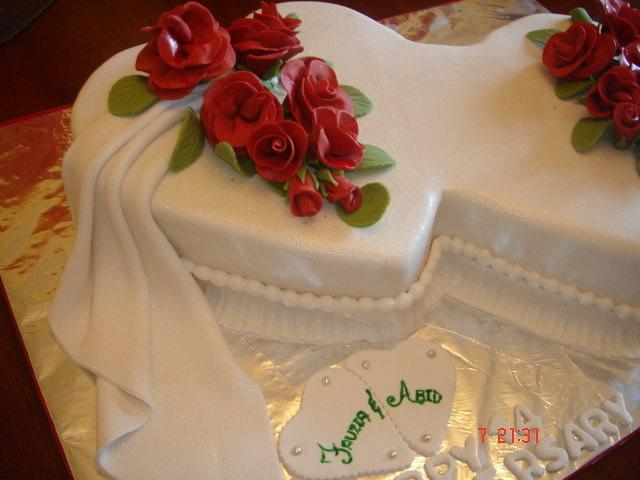 Yummy Anniversary Cake