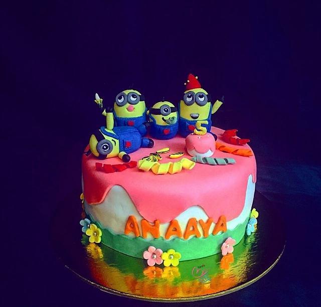 A minion themed cake.