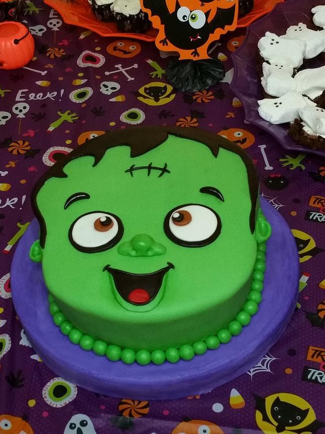 Stupendous Halloween Themed Birthday Cake Cake By Eiciedoesitcakes Cakesdecor Funny Birthday Cards Online Fluifree Goldxyz