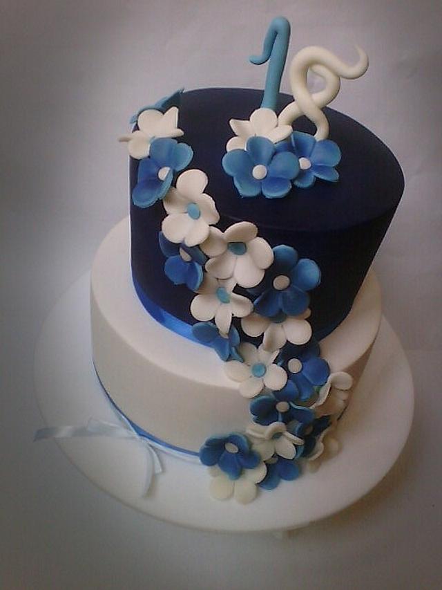 Blue brthtday cake