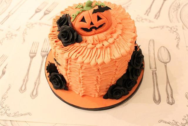 Halloween Ruffle Cake