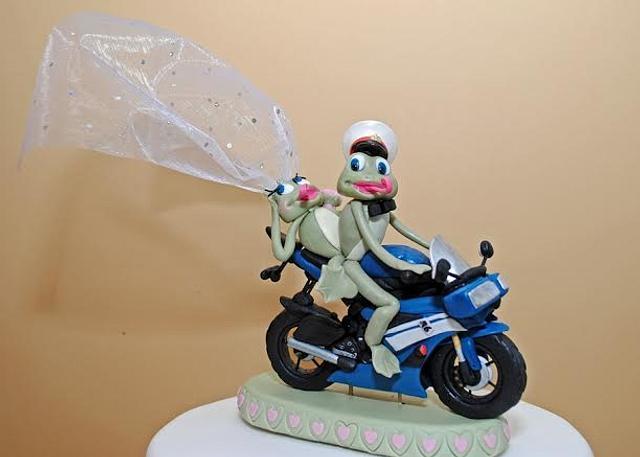 A Frog Wedding!