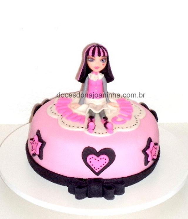 Terrific Monster High Draculaura Cake Cake By Crisbreim Cakesdecor Funny Birthday Cards Online Hendilapandamsfinfo