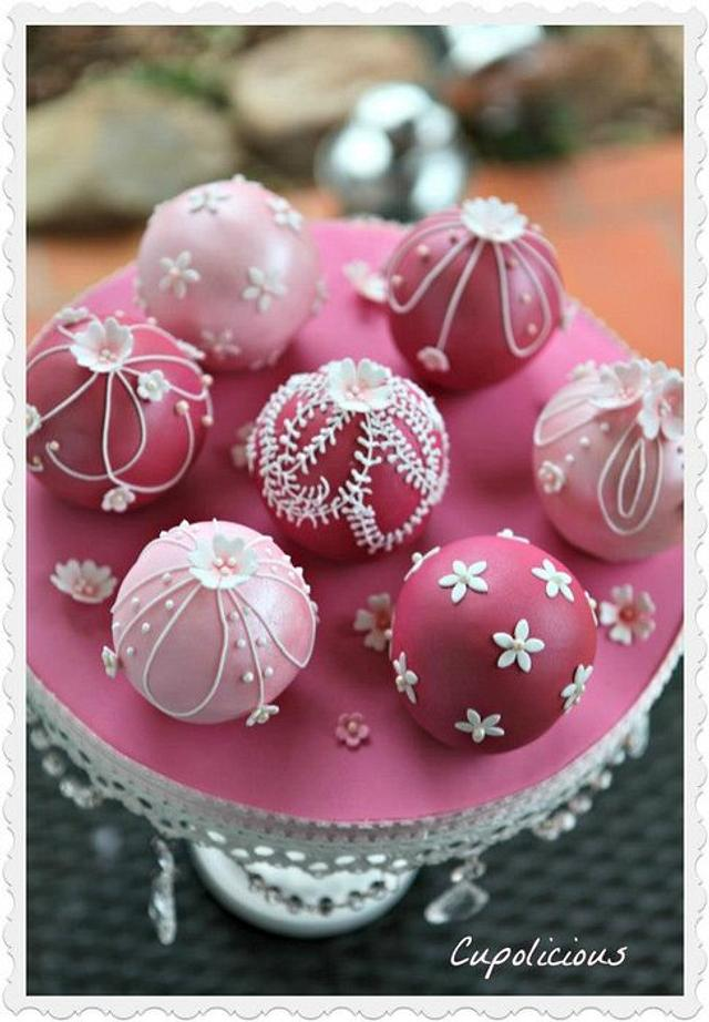 Mini Spherical wedding cakes