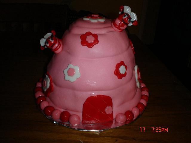 Valentine Bee Hive cake