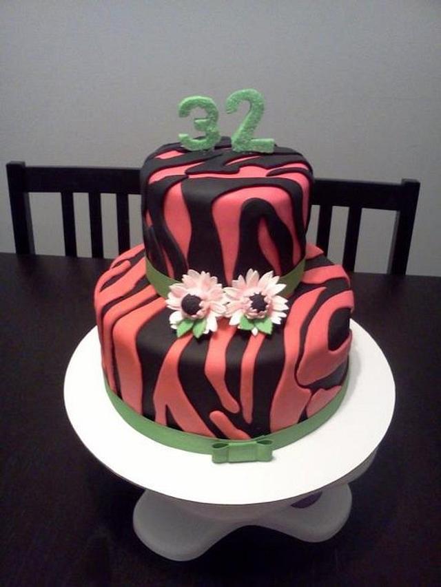 Brilliant Zebra Birthday Cake Cake By Jenifer Crespo Martinez Cakesdecor Funny Birthday Cards Online Amentibdeldamsfinfo