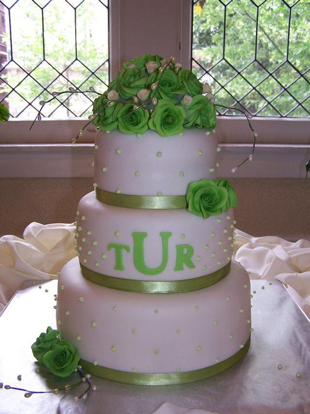 """""""Green roses wedding cake"""""""