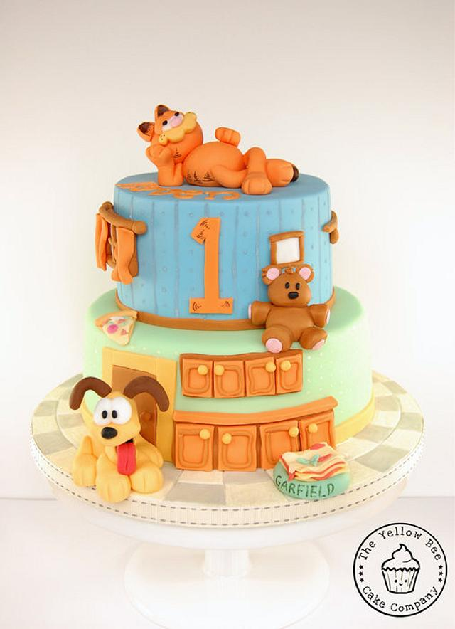 Brilliant Garfield And Odie Birthday Cake Cake By Yellow Bee Cake Cakesdecor Personalised Birthday Cards Veneteletsinfo
