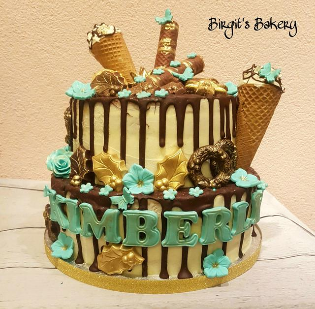 Birthday/Christmas Drip Cake