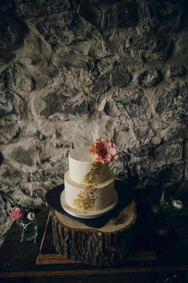 Gold Leaf Buttercream Cake Cake By Tlc Cakesdecor