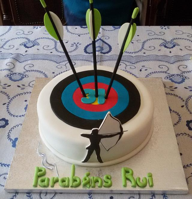 Astonishing Arrow And Target Cake Cake By Fabicakes Cakesdecor Funny Birthday Cards Online Aboleapandamsfinfo