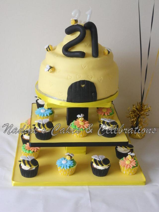 Beehive Cake & Cupcakes