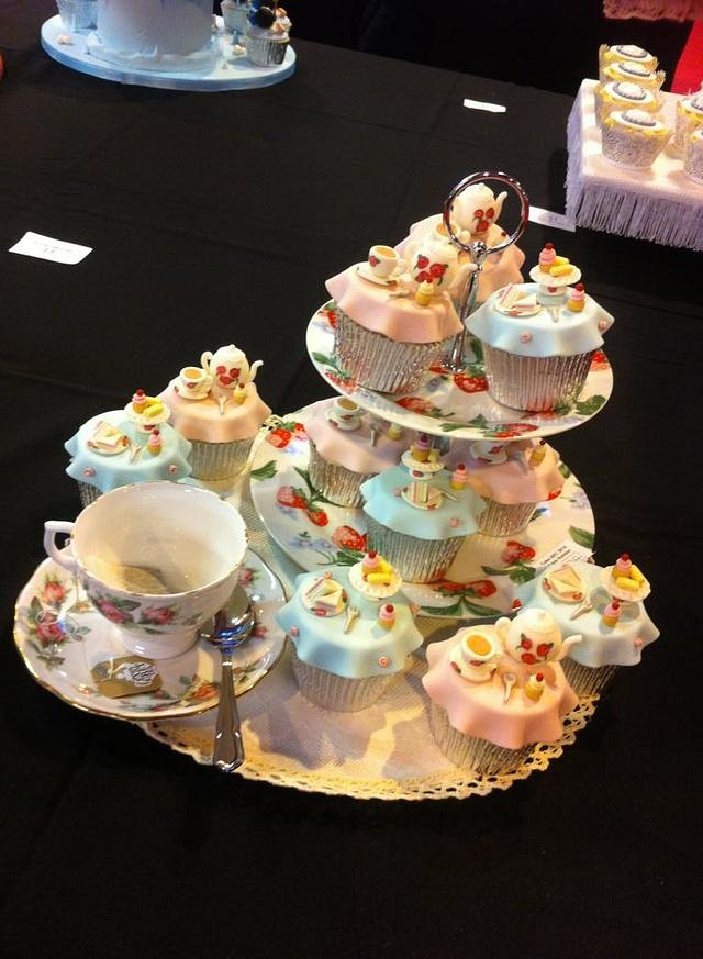Tea Party Cupcakes - Cake International Birmingham 2014 - GOLD!!