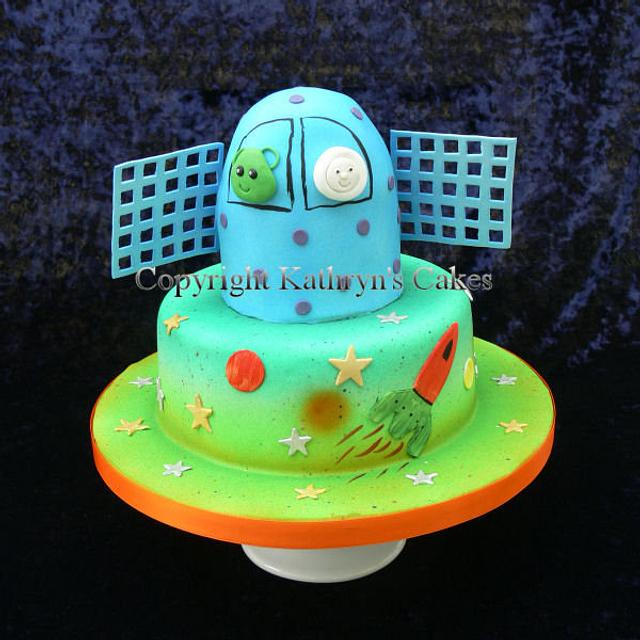 Swell Space Themed Birthday Cake And Dessert Table Cake By Cakesdecor Funny Birthday Cards Online Inifofree Goldxyz
