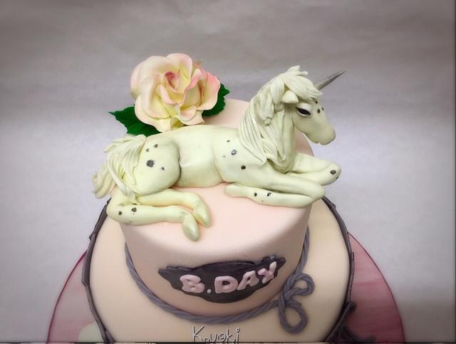 Unicorni topper cake