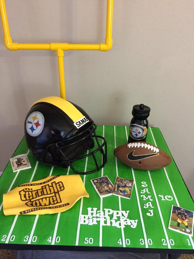 Pittsburgh Steelers football cake
