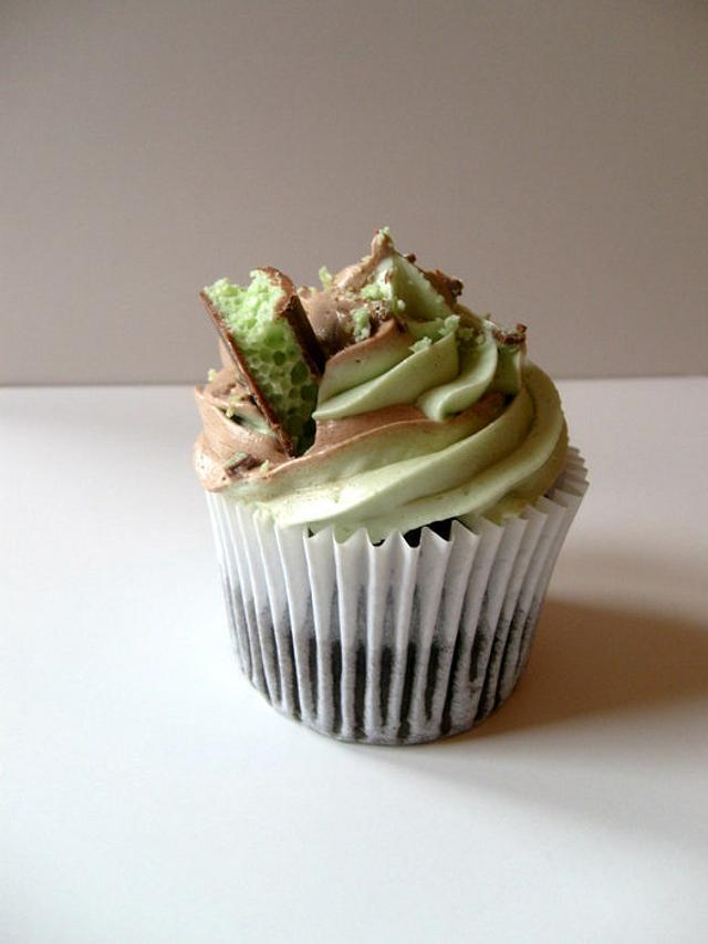 Peppermint Aero cupcake