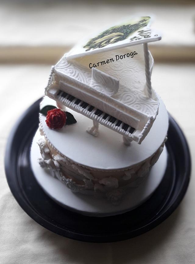 White piano vintage