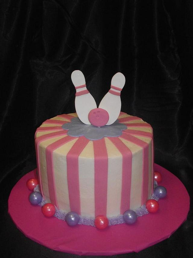 Surprising Bowling Birthday Cake Cake By Jacque Mclean Major Cakesdecor Personalised Birthday Cards Veneteletsinfo