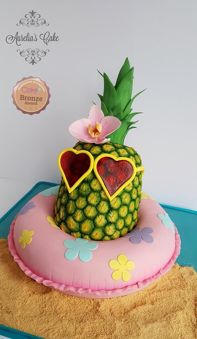 Funky pineapple cake