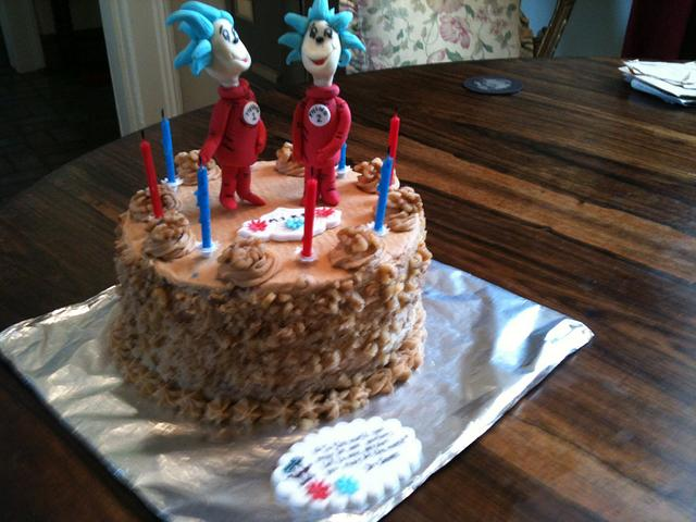 Admirable Thing 1 And Thing 2 Birthday Cake Cake By Maud Cakesdecor Funny Birthday Cards Online Necthendildamsfinfo