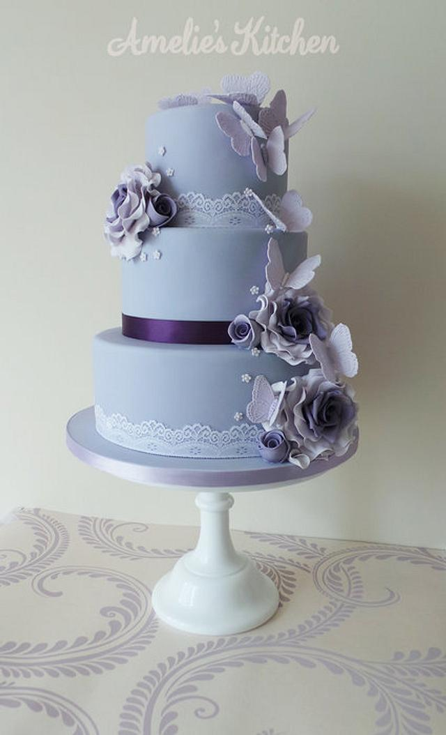 Vintage butterfly wedding cake