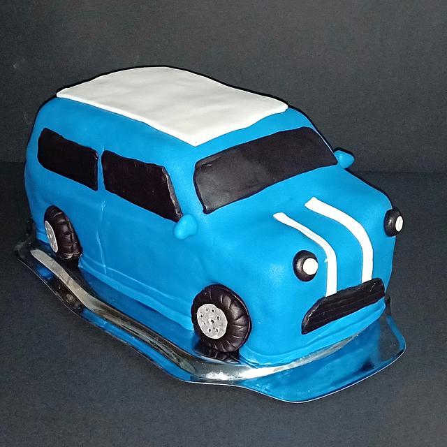 Mini Cooper car cake