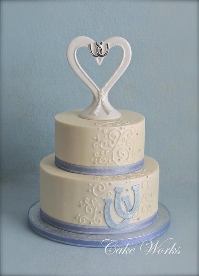 Lucky Horseshoe wedding cake