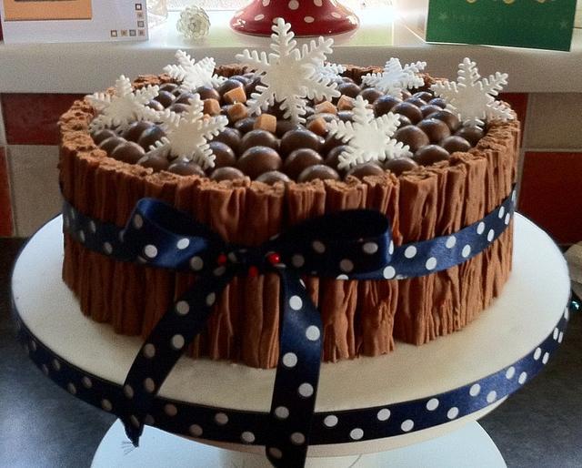 The Chocoholic's Christmas Cake