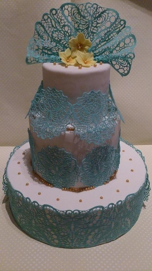 Cake with lace