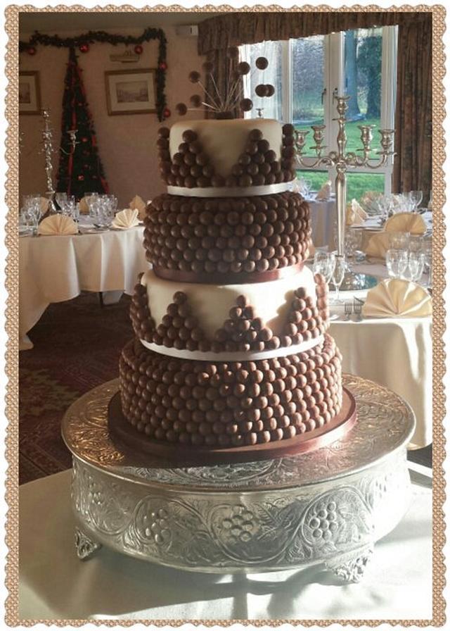 Malteser wedding cake