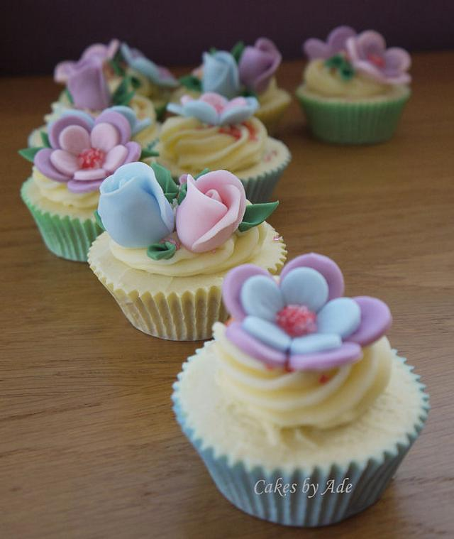 Pastel floral cupcakes - February 2011